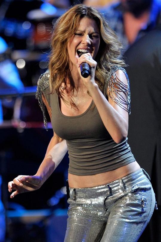 Kirsty Bertarelli je bývalou královnou krásy, skladatelkou a zpěvačkou.