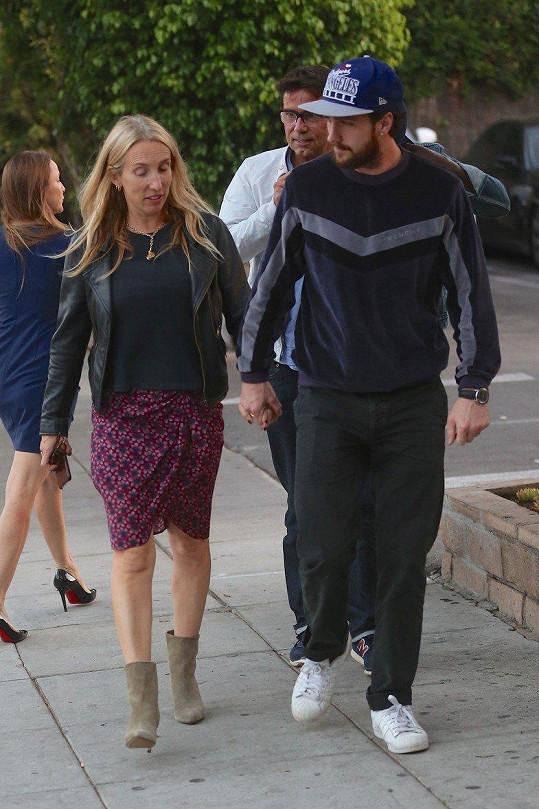 Manželé na procházce