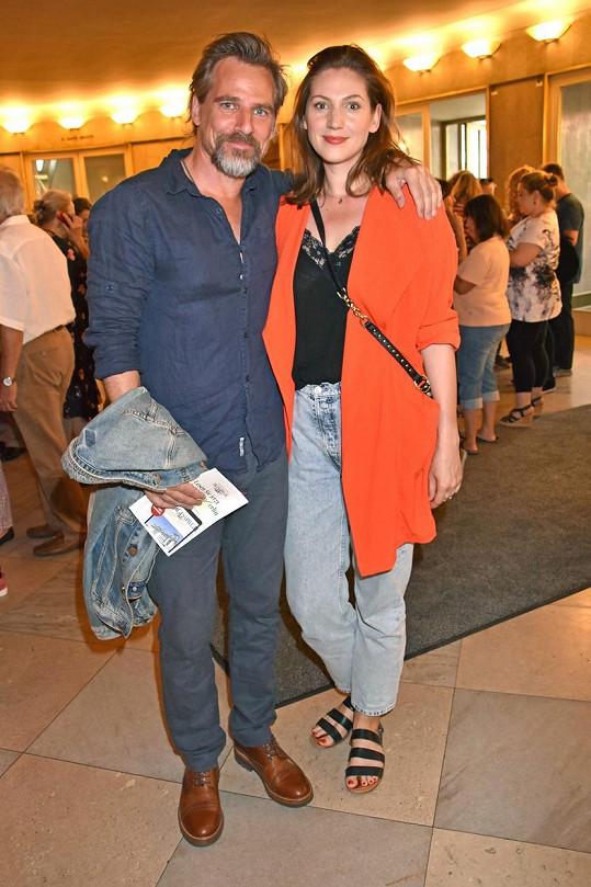 René Steinke s přítelkyní Biancou Warnek