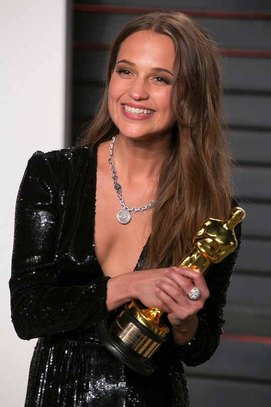 Alicia Vikander letos získala Oscara za vedlejší roli ve filmu Dánská dívka.