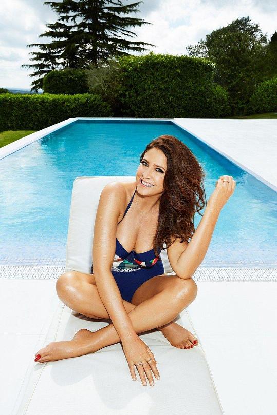 Lisa Snowdon zavpomínala na svá modelingová léta a pro obchod JD Williams nafotila plavkovou kampaň.