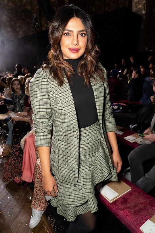 Priyanka Chopra na přehlídce Michaela Korse