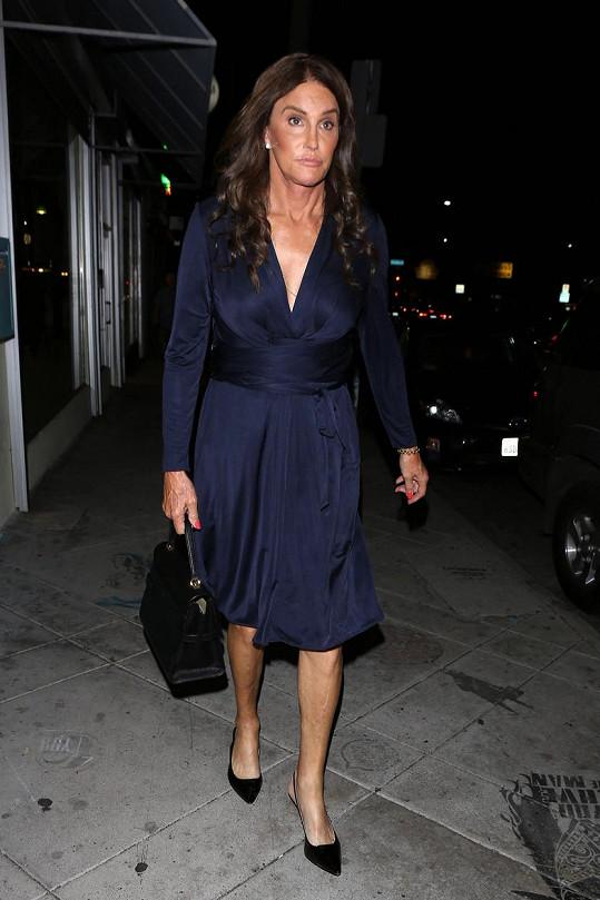 Caitlyn Jenner oblékla ty samé šaty, co kdysi vévodkyně Catherine.