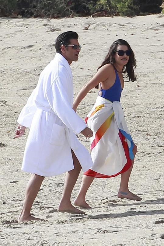 Pláže v Malibu se staly úterním útočištěm herců a štábu.