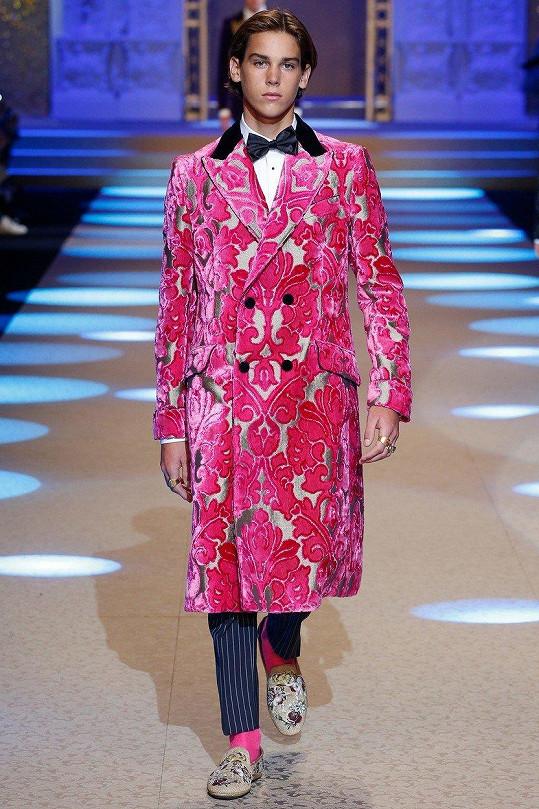 Paris Brosnan na týdnu módy v Miláně