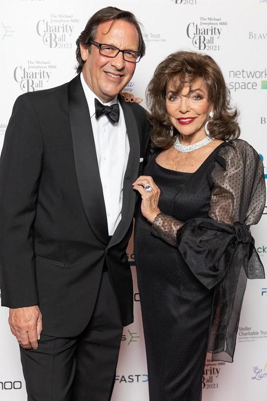 S o 32 let mladším manželem Percym Gibsonem příští rok oslaví 20. výročí svatby.