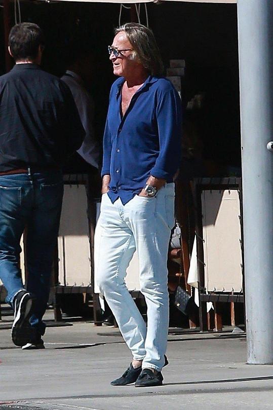Snímek otce děvčat, realitního magnáta Mohameda Hadida (68), byl nedávno pořízen v Beverly Hills.