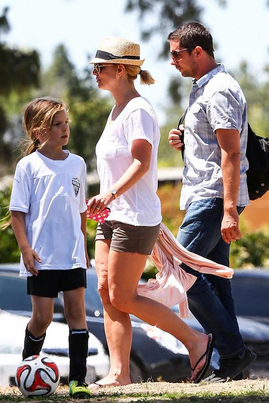 Britney Spears dorazila do parku s bodyguardem.