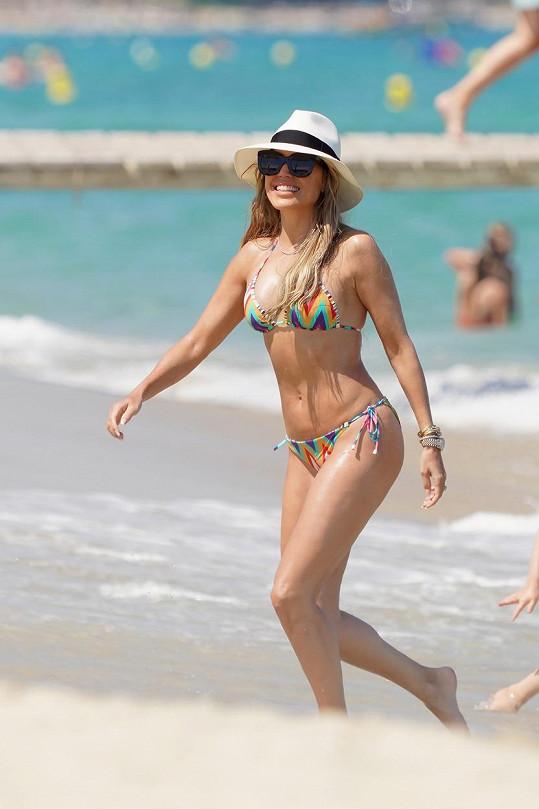 Sylvie Meis se v modelkovské formě udržuje i po čtyřicítce.