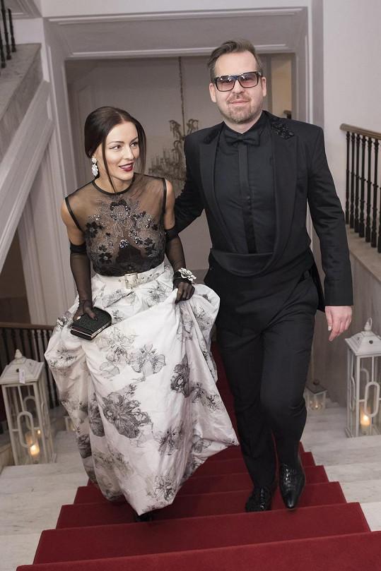 Kristínu doprovodil návrhář Fero Mikloško.