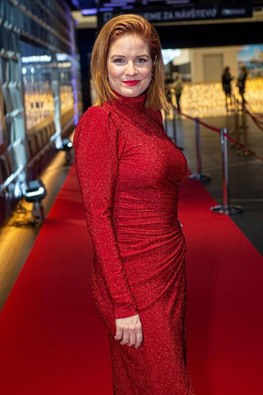 Další sexy zrzkou je Zuzana Norisová.