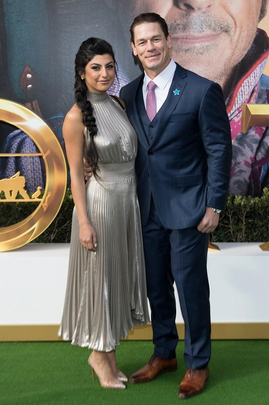 John Cena se oženil s kanadskou manažerkou Shay Shariatzadeh.