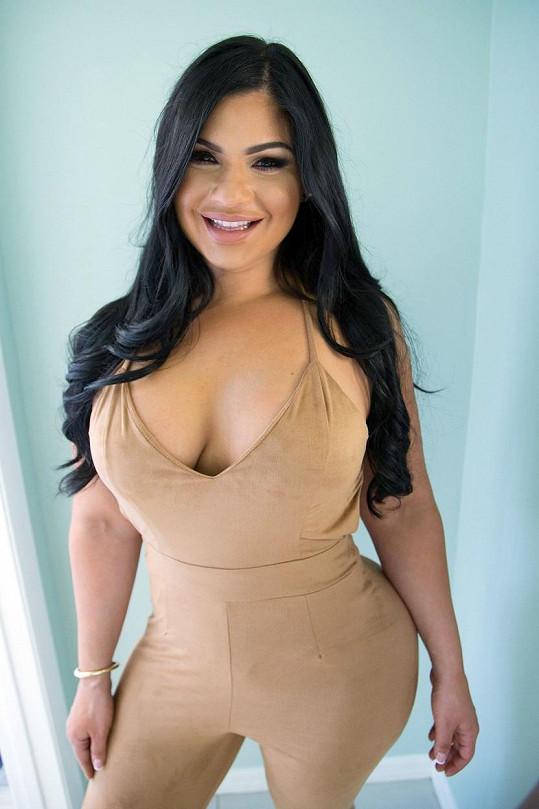 Zhlížení se v Kim Kardashian je patrné na první pohled...