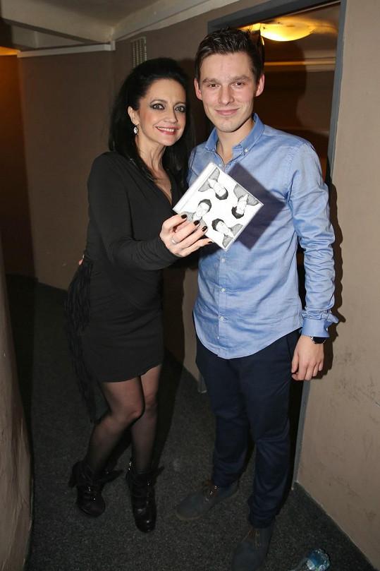 Zpěvačka byla kmotrou debutového alba zpěváka Pavla Callty.