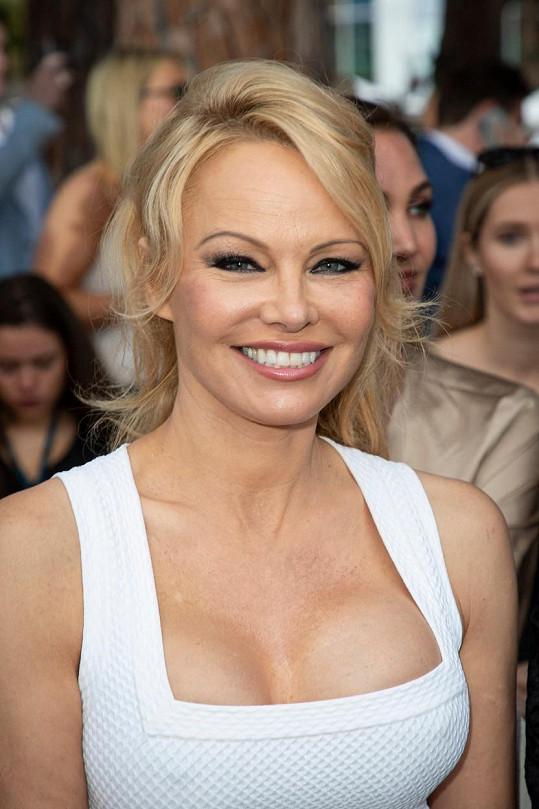 Pamela Anderson se v pondělí tajně vdala.