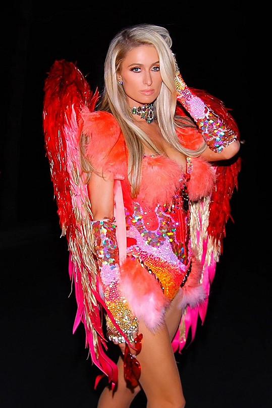 Paris Hilton si halloweenský večírek nenechala ujít.