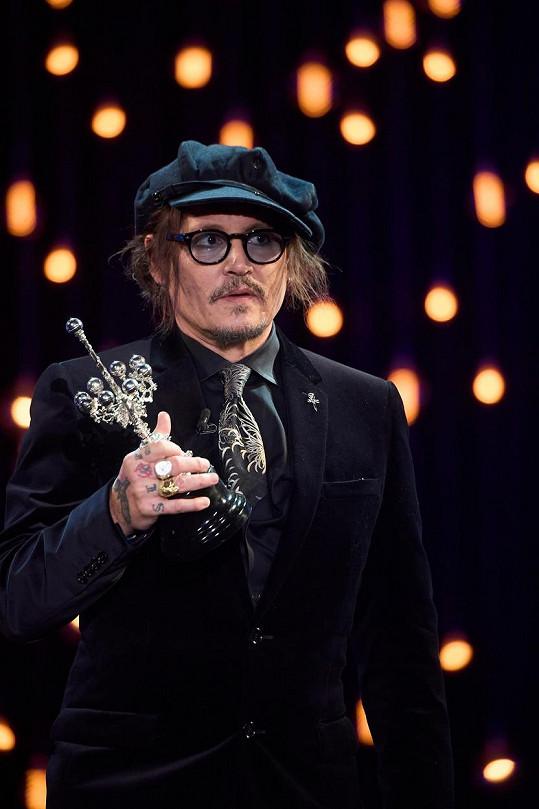 Johnny Depp byl oceněn na festivalu v San Sebastiánu.
