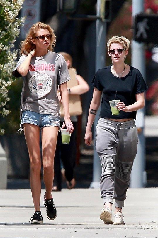 Předtím slavná herečka randila s modelkou Stellou Maxwell.