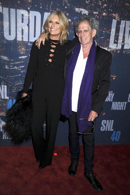 Richards s manželkou Patti Hansen