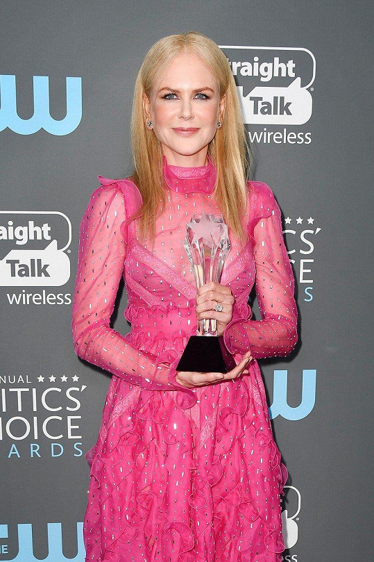 A cenu za Sedmilhářky, v nichž hrála jednu z hlavních rolí a také je spoluprodukovala, si odnesla také z Critics´ Choice Awards.