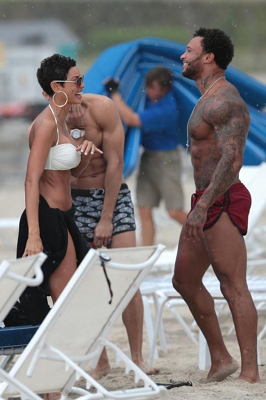 Nicole Murphy a David McIntosh strávili na pláži víkend.