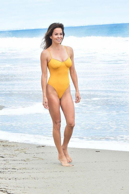 Brooke Burke vypadá fantasticky.