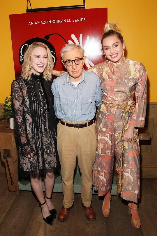 S režisérem Woodym Allenem a herečkou Rachel Brosnahan