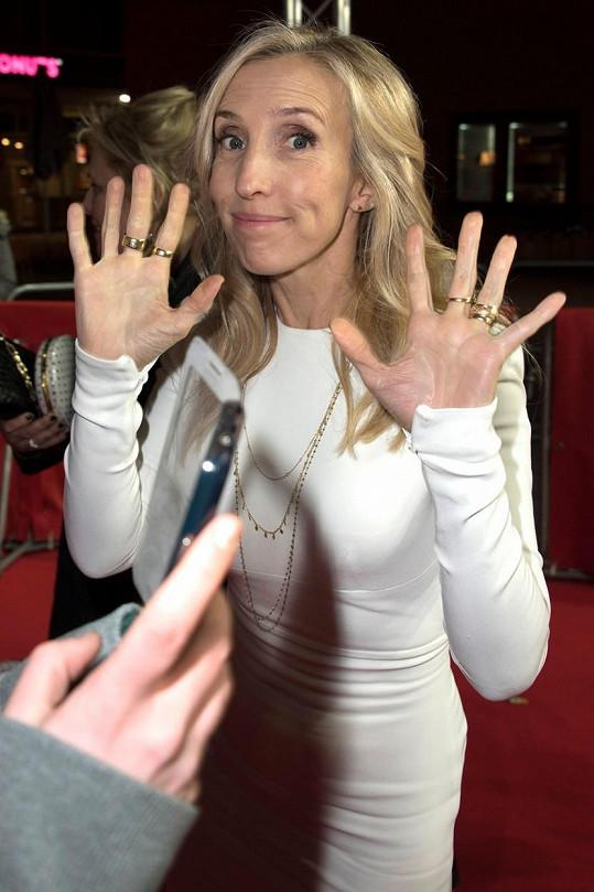 Režisérka Sam Taylor-Johnson dává od pokračování Padesáti odstínů šedi ruce pryč.