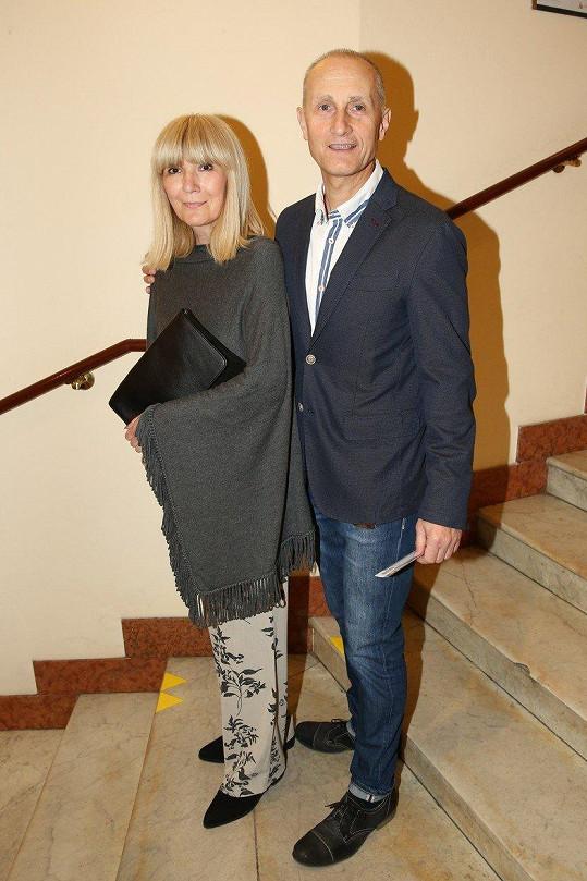 Josef Carda s manželkou Radkou, která bojovala se zákeřnou nemocí.