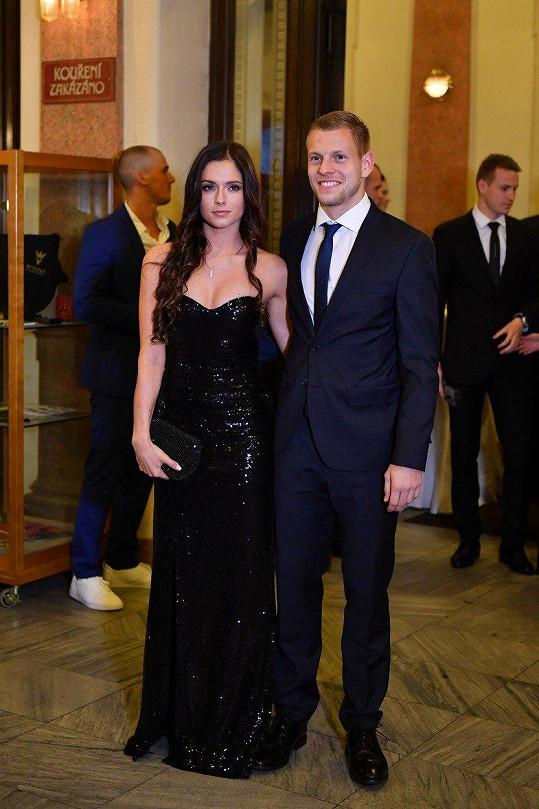 Matěj Vydra s přítelkyní Šárkou
