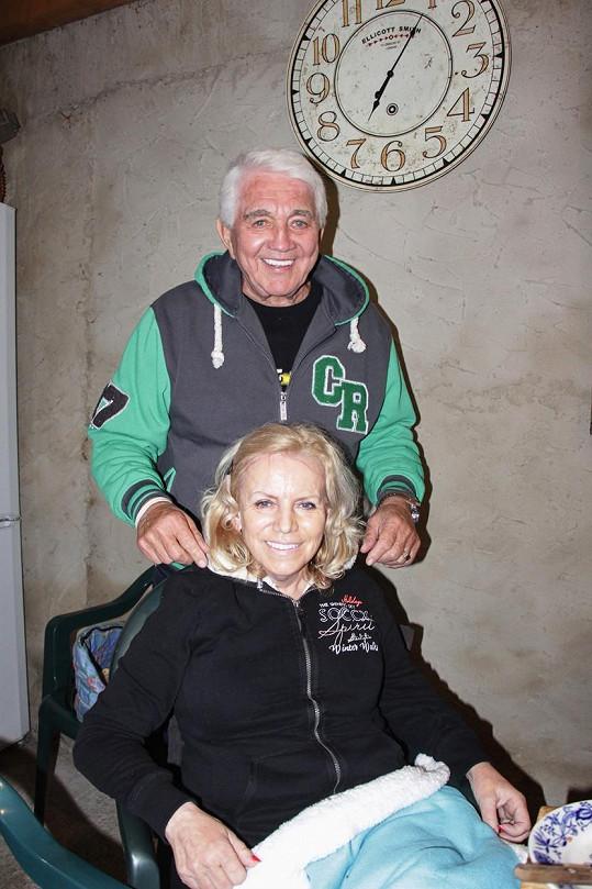 Manželka Jiřího Krampola nabrala 20 kilo a vypadala velmi dobře.