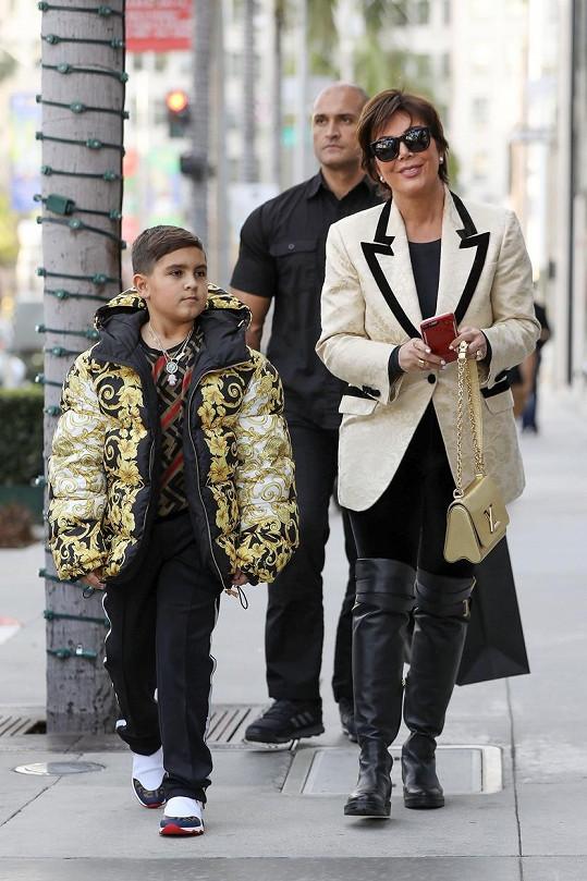 Kris Jenner se plácla přes kapsu i při koupi bundy Versace pro nejstaršího vnuka Masona.