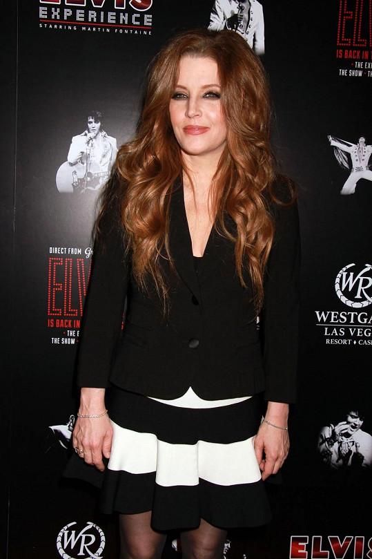 Lisa Marie má za sebou krátká manželství s Michaelem Jacksonem i Nicolasem Cagem.