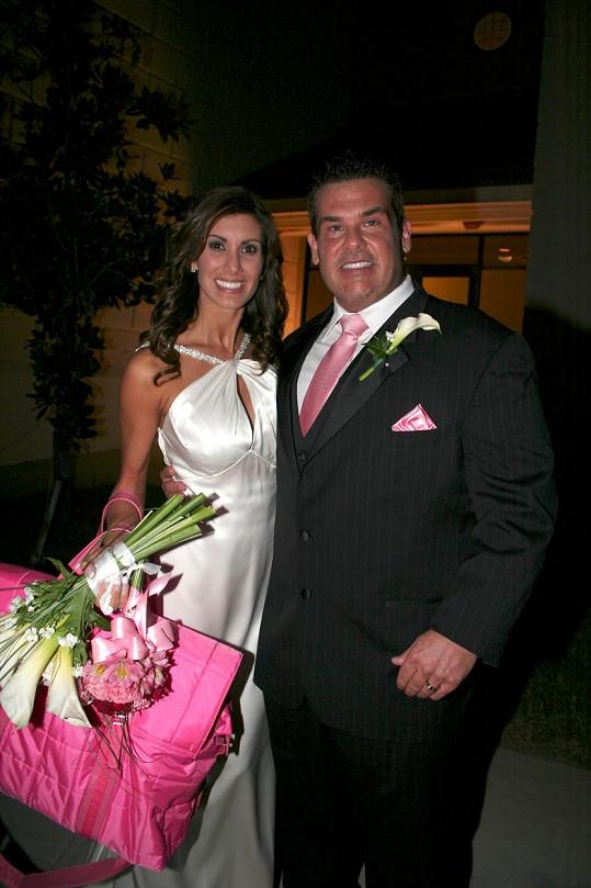 Bubba The Love Sponge na svatební fotografii s Heather Cole, s níž měl Hogan poměr.