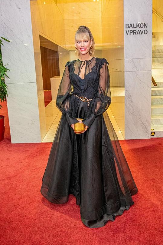 Jasmina Alagič zářila v sexy šatech.