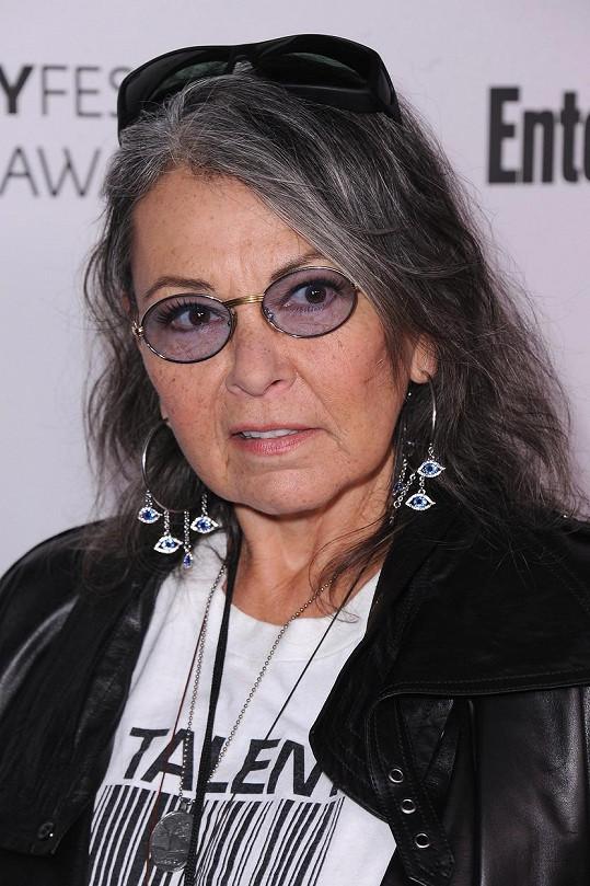Loni se Roseanne prezentovala jako prošedivělá punkerka.