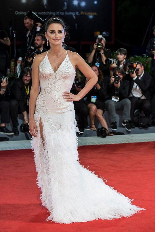 Herečka ozdobila benátský filmový festival.