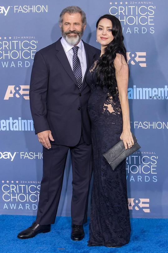 Mel Gibson očekává devátého potomka.