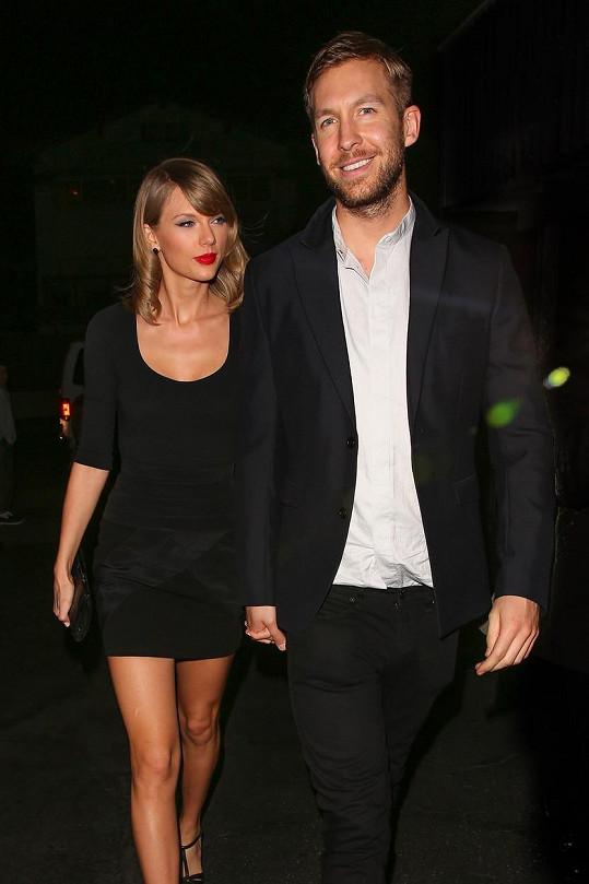 Taylor Swift se dočkala zásnubního prstenu závratné hodnoty.