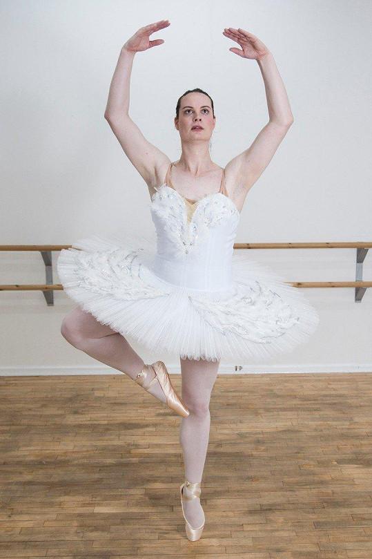 Dnes se jmenuje Sophie Rebecca (37). Svoji proměnu v ženu zahájila před dvěma roky a stala se vůbec první transgender baletkou, která absolvovala na britské Royal Academy of Dance.