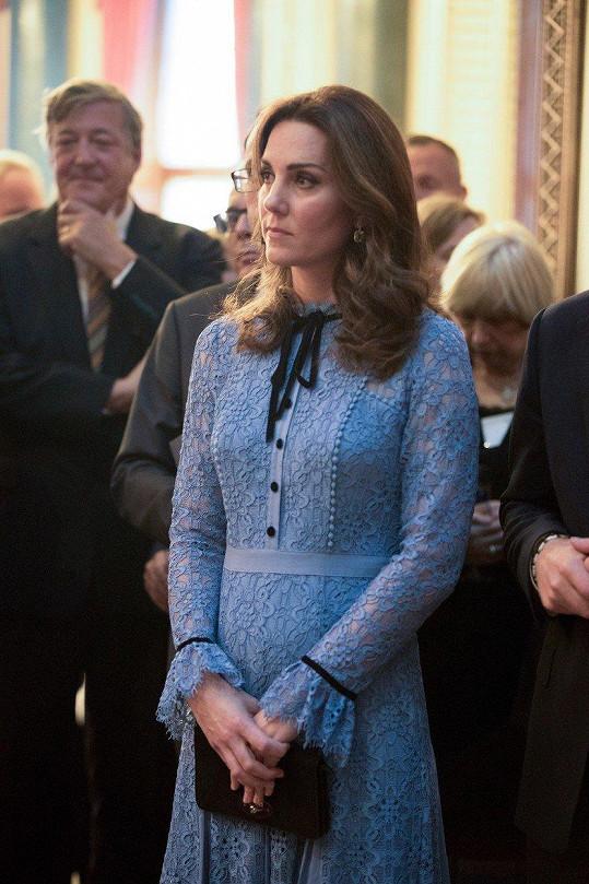 Vůbec poprvé od potvrzení těhotenství se vévodkyně Kate objevila na veřejnosti.