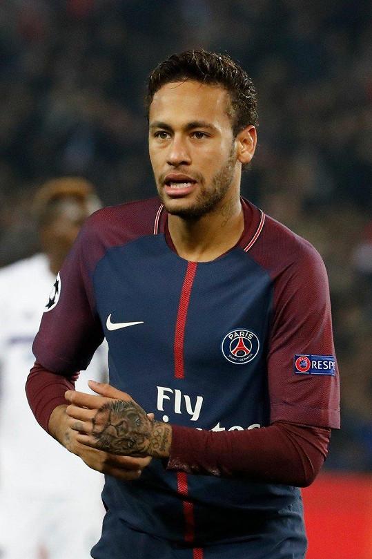 Se Sorajou měl románek fotbalista Neymar.