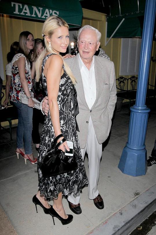 Paris Hilton se svým dědečkem.