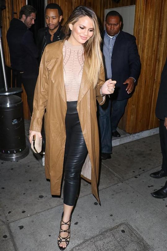 Modelka má zpátky sexy křivky.