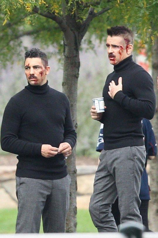 Colin Farrell (vpravo) s kaskadérem na natáčení filmu Eve