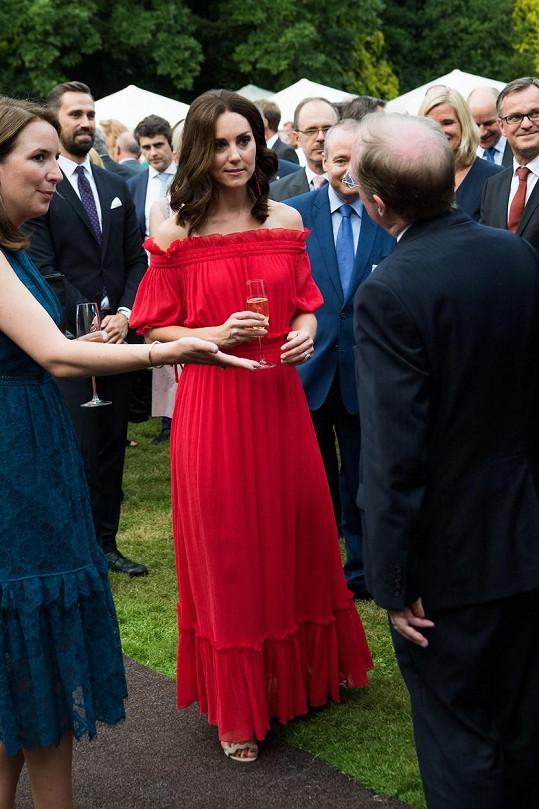Kate v šatech Alexander McQueen