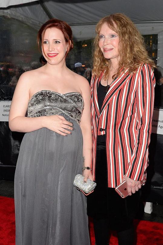 Mia Farrow bude babičkou.