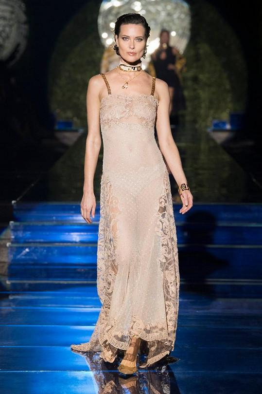 Shalom Harlow (47) se v letech 1993 až 1997 se objevila na šesti amerických obálkách Vogue.