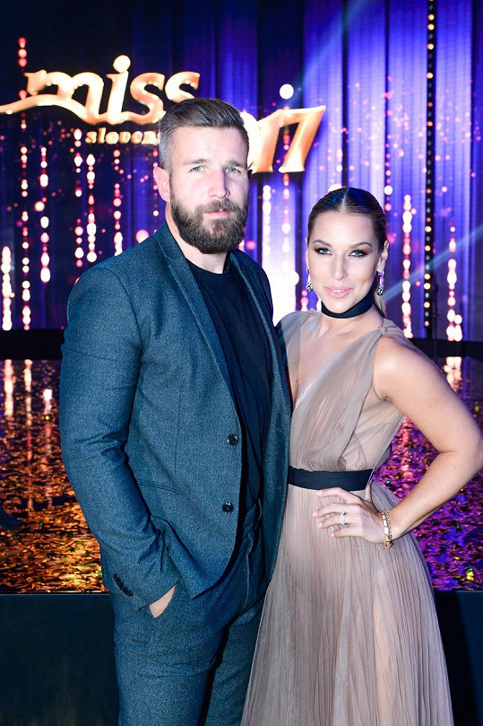 Dominika se loni provdala za Michala Navaru.