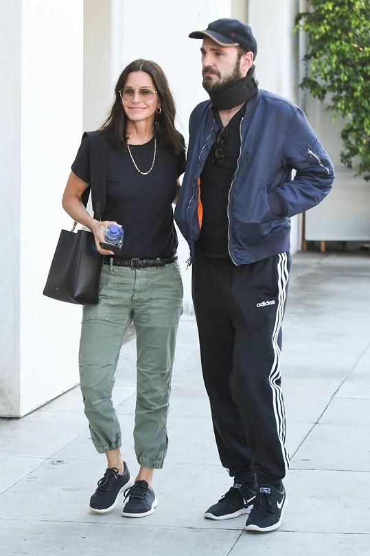Courteney Cox a její přítel Johnny McDaid tráví karanténu odděleně.